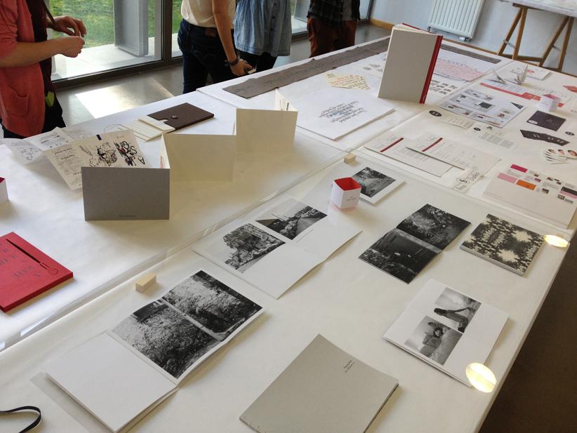 Travail de récit photographique encadré par Mickaël Quemener, deuxième année design graphique.