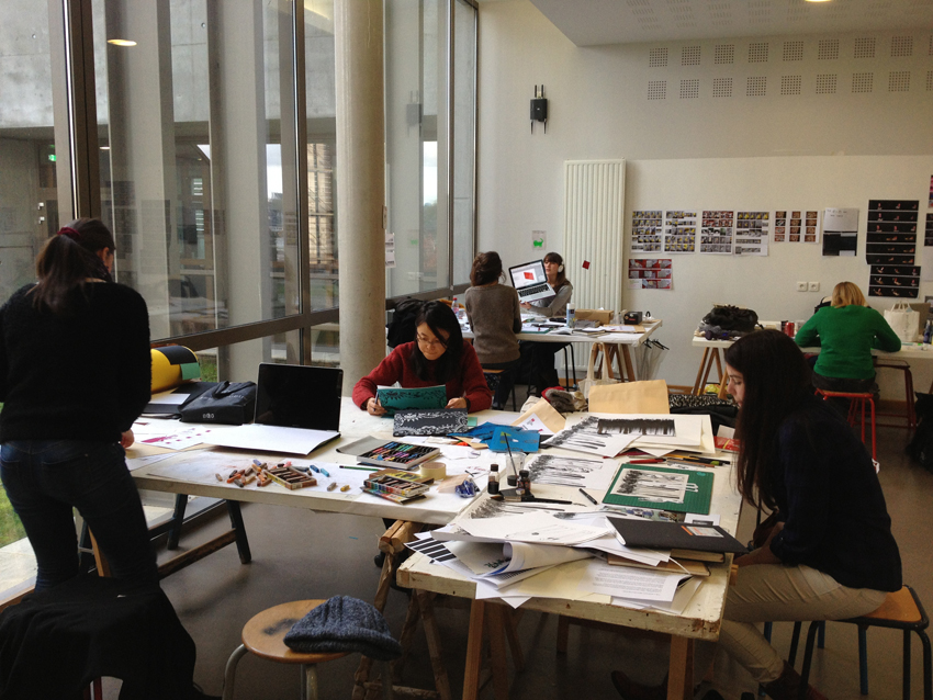 Les étudiants en plein travail.