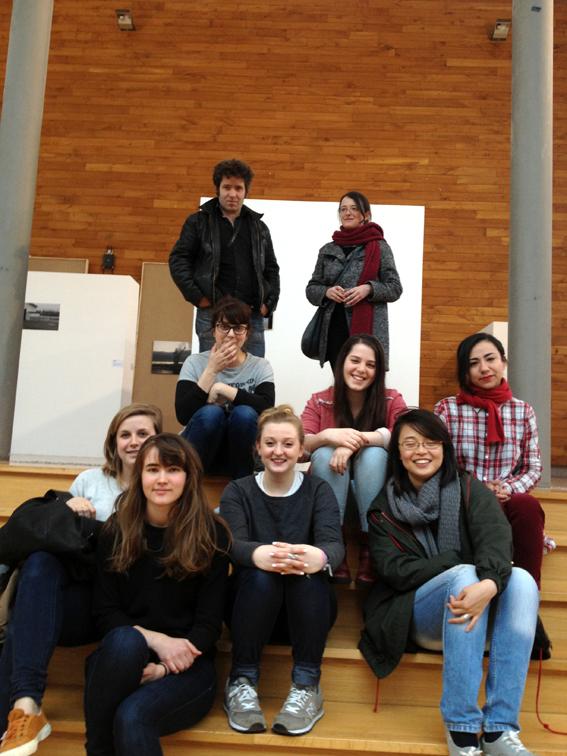 Christophe Bouder et Emmanuelle Duron-Moreels avec les étudiants de troisième année design graphique © Sarah Fouquet