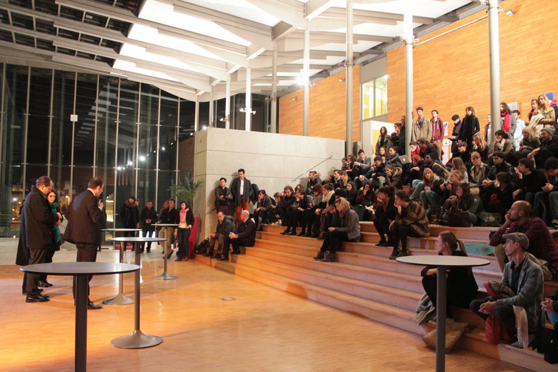 """Discours d'inauguration de Marc Pottier (président de l'epcc), Éric Lengereau (directeur de l'ésam), Walther Fekl (commissaire de l'exposition """"Cents Murs Sans Murs"""") et Sarah Fouquet"""