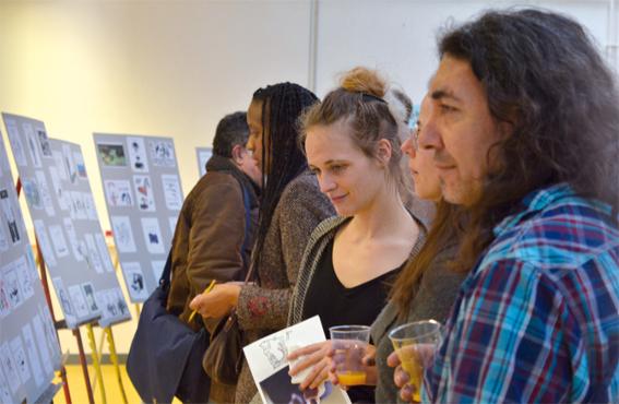 Jury professionnel en train de délibérer (avec la dessinatrice Camille Besse au centre) © école estienne