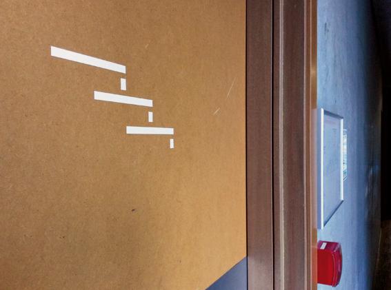 Signalétique directionnelle (escaliers à emprunter pour la visite) d'Anaïs Février, Tiffany Flecher et Victor Gyomard (réalisée suite au workshop avec Aurélie Gasche en octobre 2014) © Sarah Fouquet