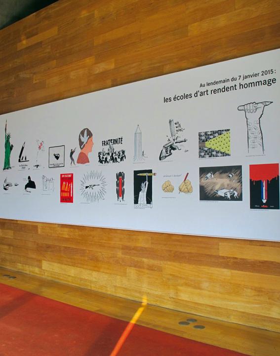 Panneau présentant l'hommage dessiné des écoles d'art © Katell Sinou