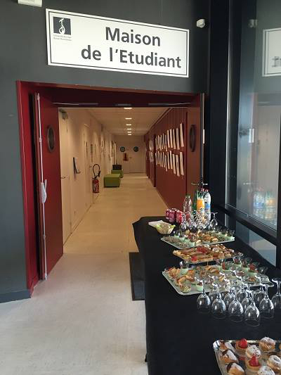 Cocktail ouvert aux étudiants du campus, photo © Mde Cherbourg
