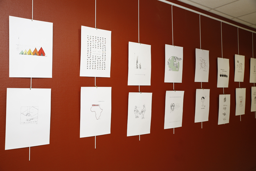 Vue des dessins de l'exposition, photo © Anne Guiot